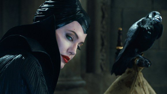 angelina-jolie-crow-maleficent-movie-1920x1080